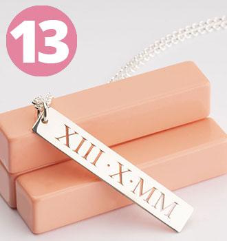 Bestsellers - Collar Vertical de Números Romanos