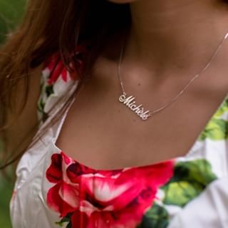 Silver Classic Name Necklace - How it looks in reality - Thumbnail - 0