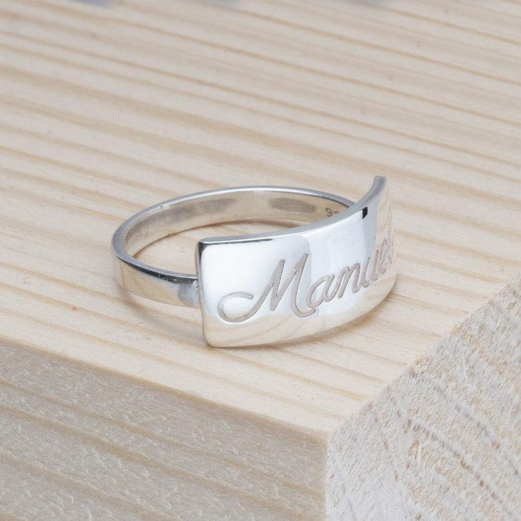 Engraved Bar Name Ring - Model