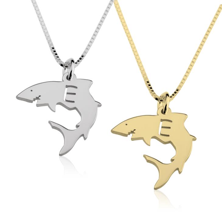 Collar de Tiburón con Inicial