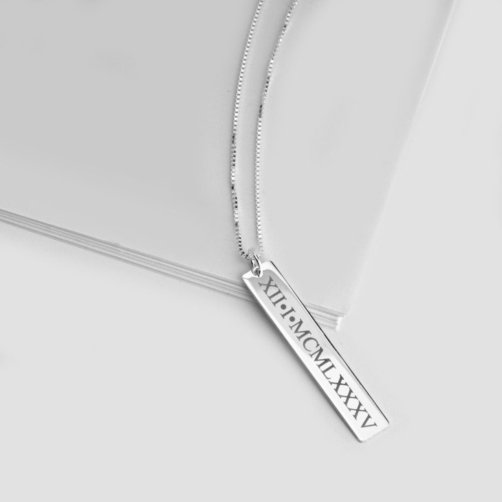 Vertical Roman Numeral Necklace - Picture 2
