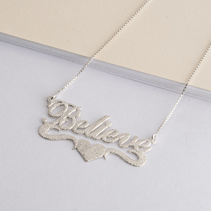 Sparkle Name Necklace with Heart - Model
