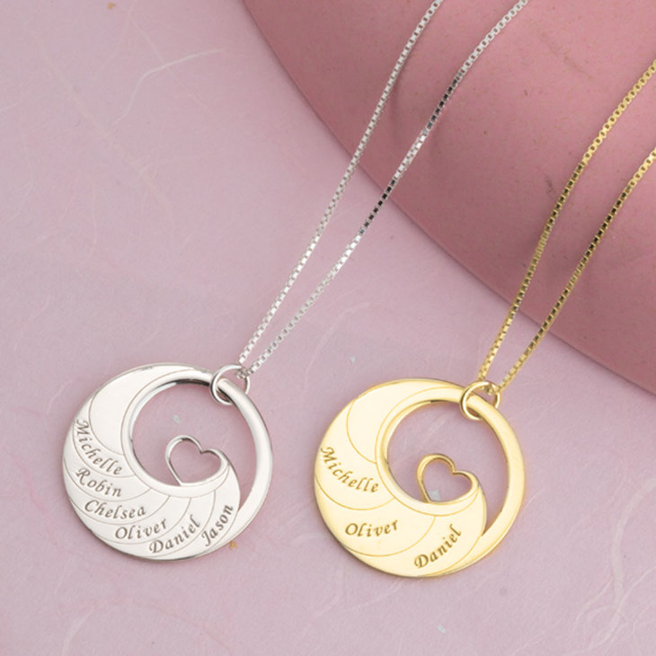 Mother's Heart Necklace With Engraved Names - Model