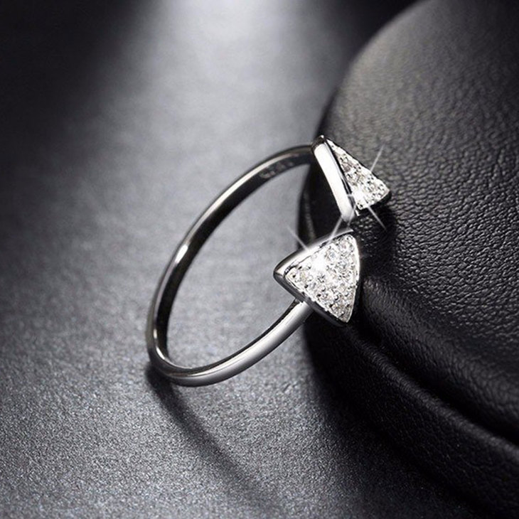 Bague Triangle Ouverte  - Picture 3