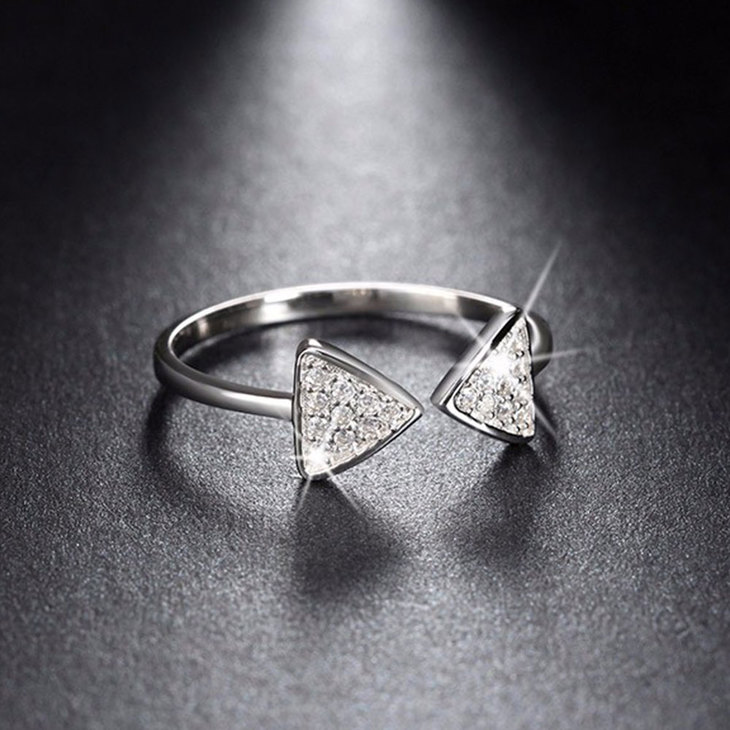 Open Triangle Ring - Picture 4