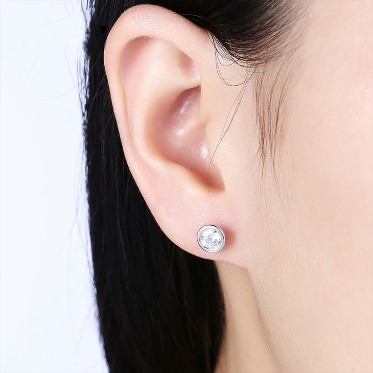Cubic Zirconia Studs  - Picture 3