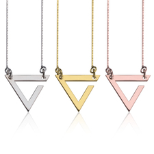 Collier Triangle