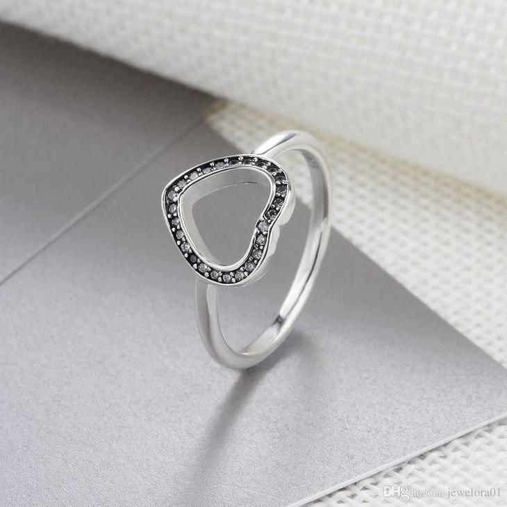 Heart Ring with Cubic Zirconia - Picture 2
