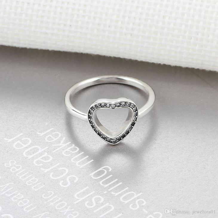Heart Ring with Cubic Zirconia  - Picture 3