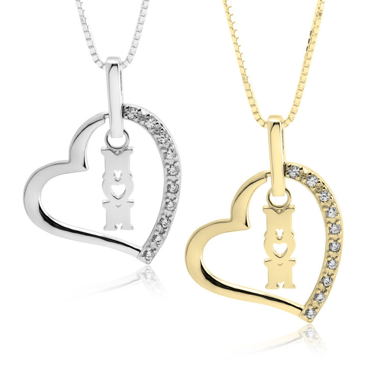 Mom heart neckalce with cubic zirconia