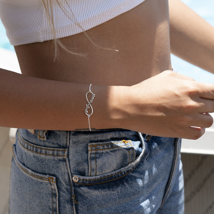 Infinity Name Bracelet - Model