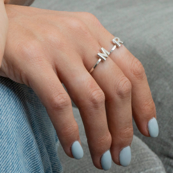 Bague Initiale Empilable - Model