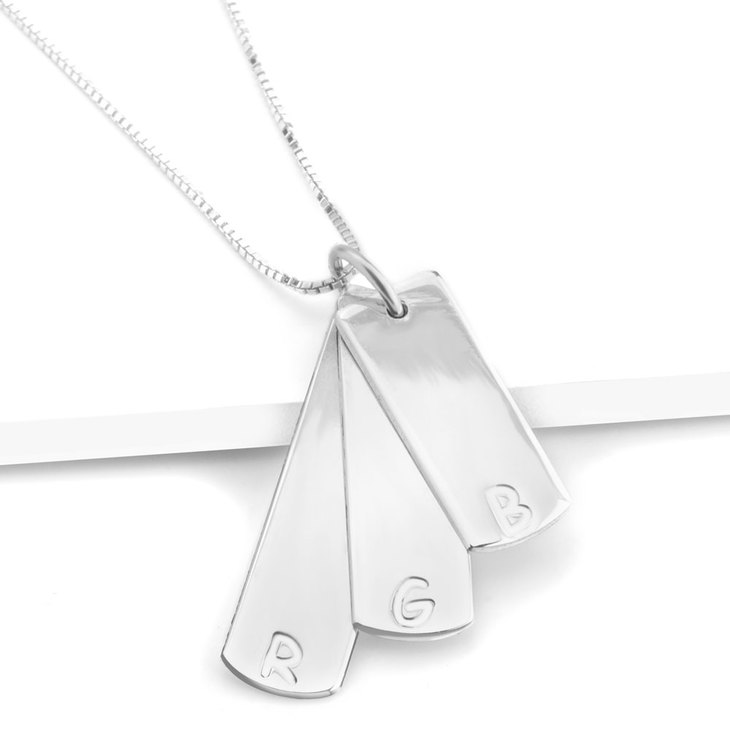 Vertical Bar Necklace With Initials - Picture 3