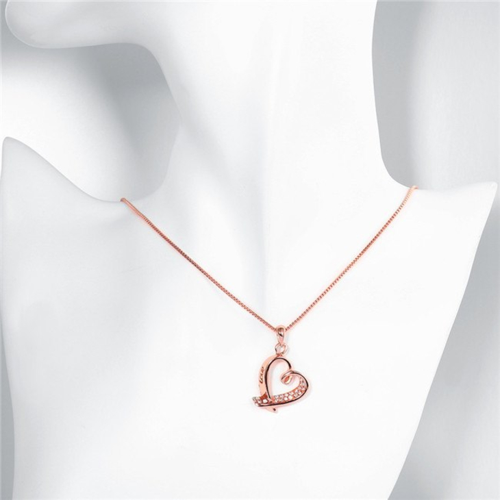 Love Heart Pendant Necklace - Picture 3
