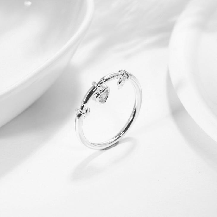 Dangling Heart Ring - Picture 2