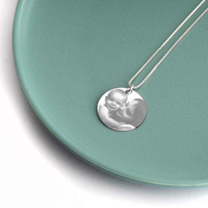 Circle Picture Necklace - Picture 2