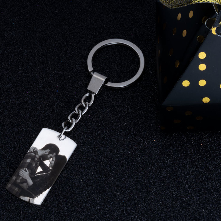 Dog Tag Picture Keychain - Picture 3