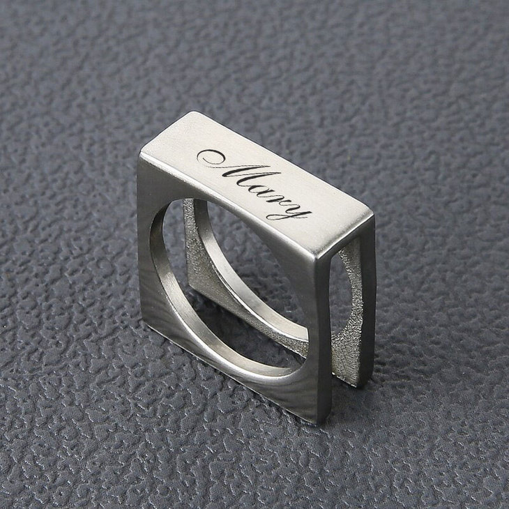 Personalized Cube Ring - Picture 2