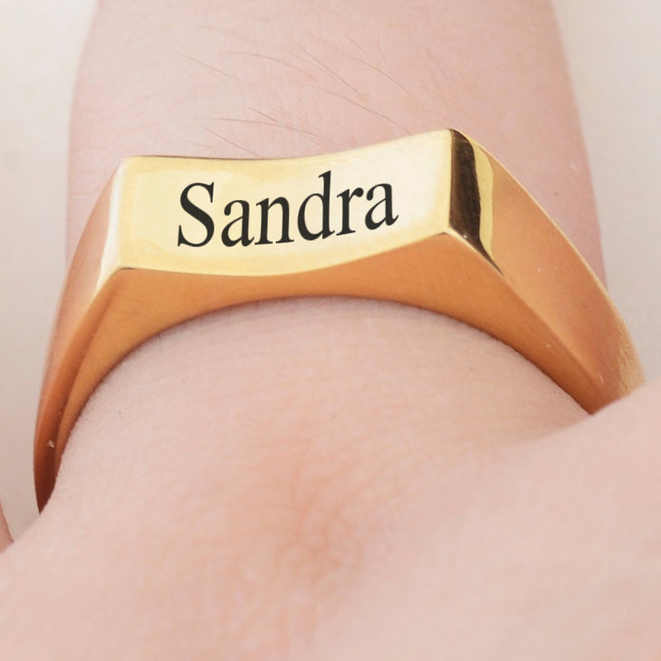 Personalized Signet Ring - Model