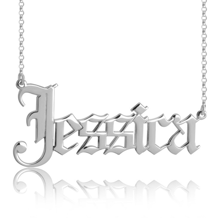 Gothic Name Necklace - Picture 2