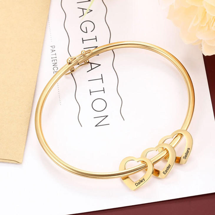 Mom Charm Bangle with Kids Names - Picture 2