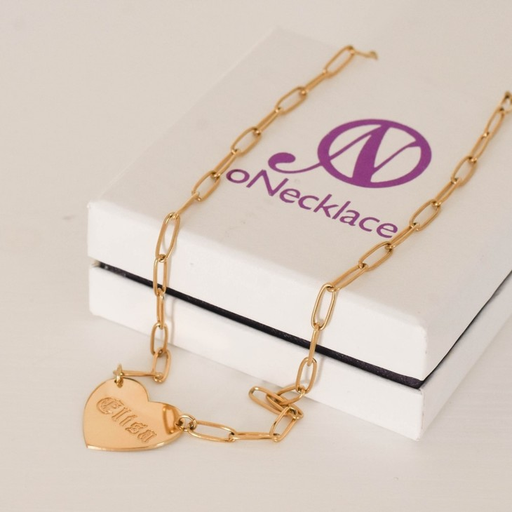 Paperclip Chain Necklace with Engraved Heart - Model
