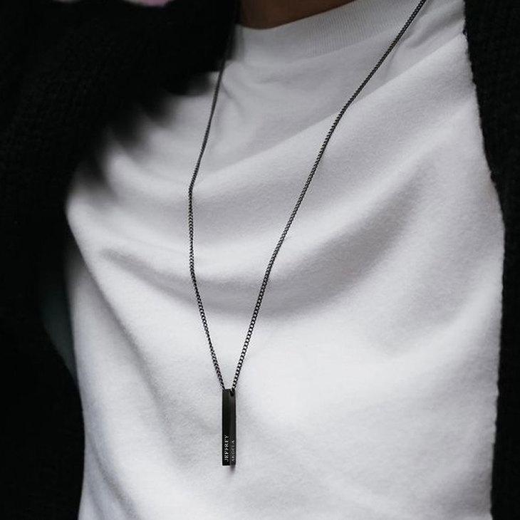 Black 3D Bar Name Necklace For Men - Model