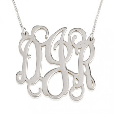 Collier Monogramme Ondulé trait d'union en Argent